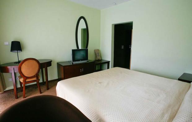 gorillas-volcanoes-hotel1.JPG
