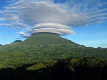 Volcano-Climbing-in-Rwanda