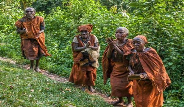 Batwa-pygmies-Virunga